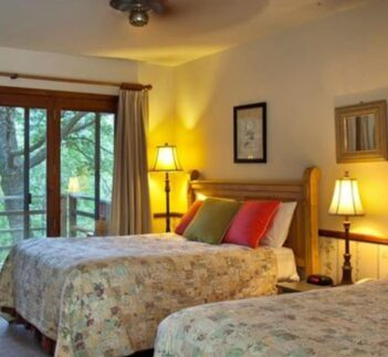 2 Double Beds, Narrow Gauge Inn